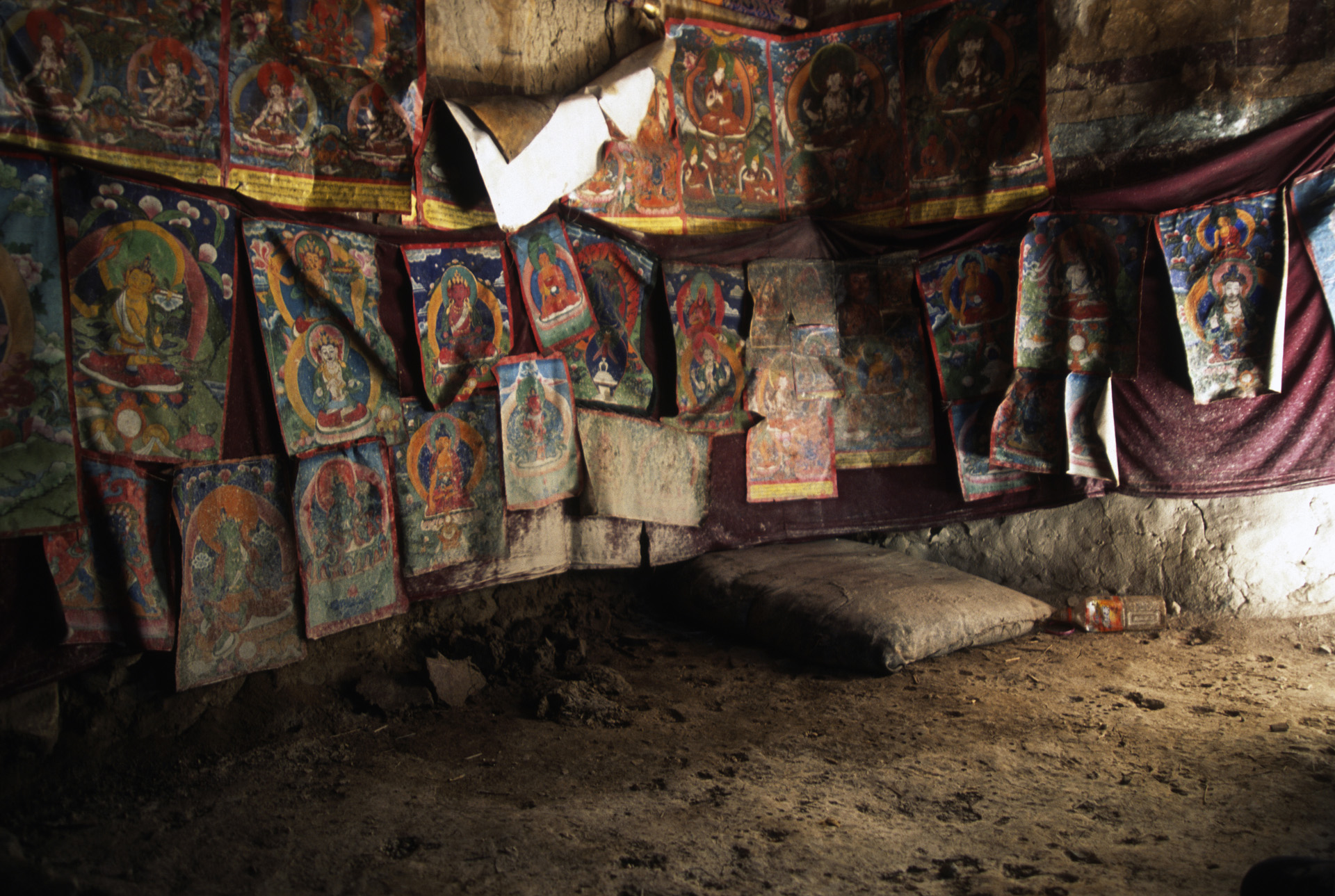 Old meditation cave close to the Rongbuk Monastery
