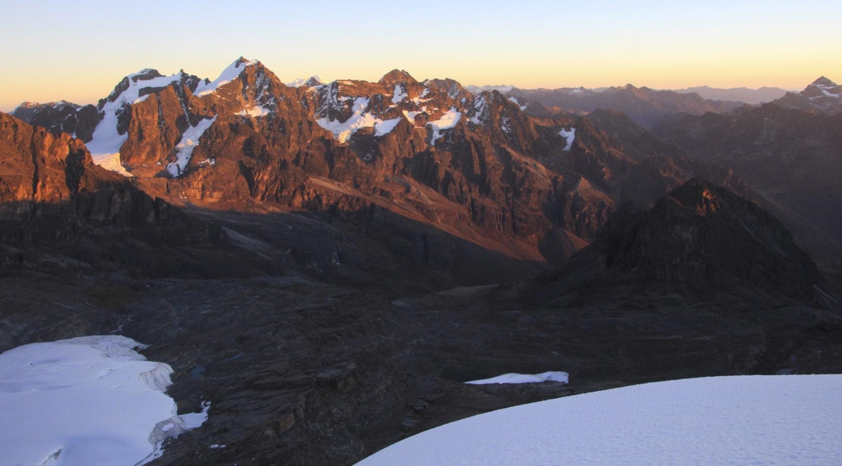 Sunrise from Pequeno Alpamayo