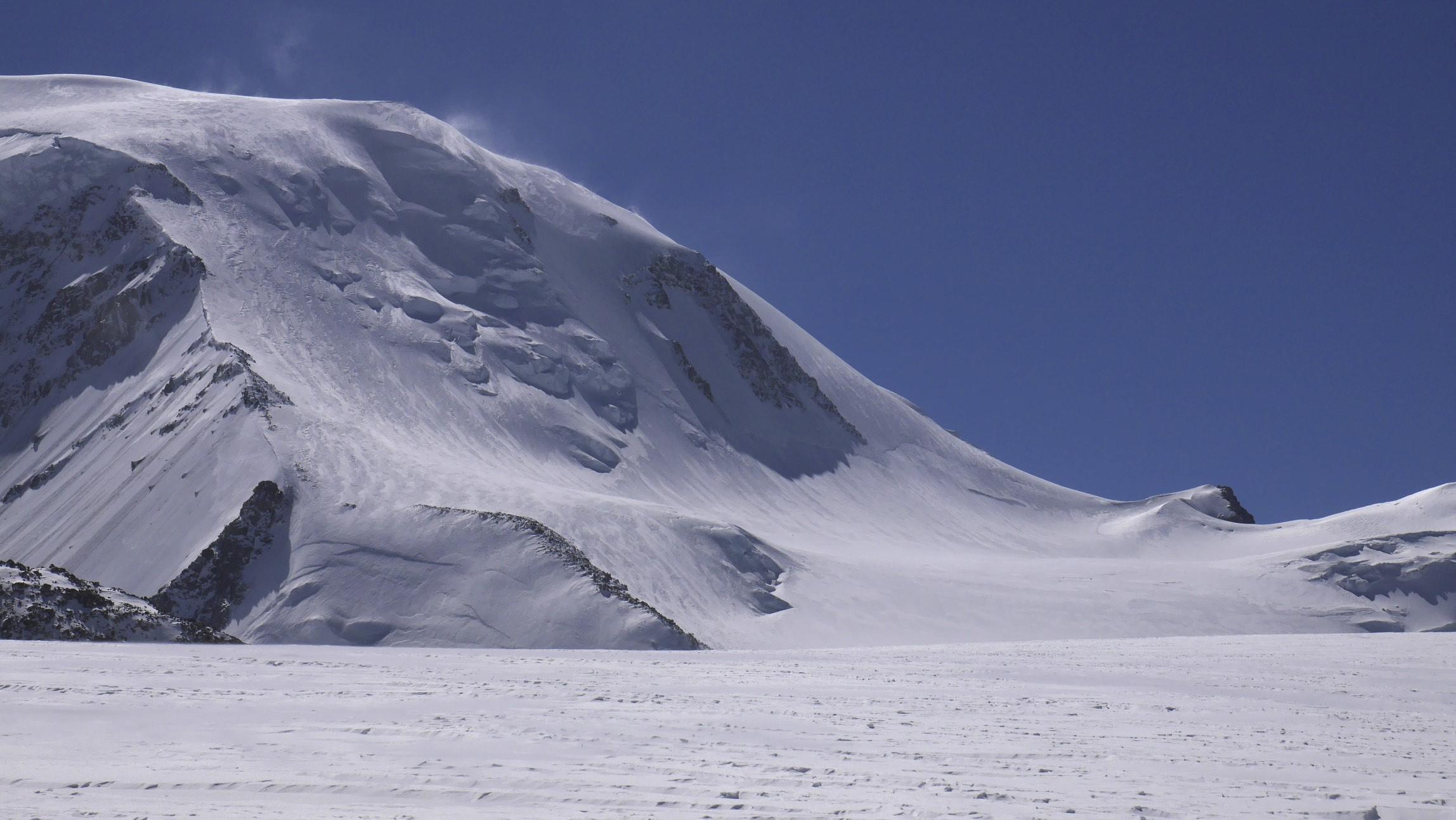 Mount Khuitan