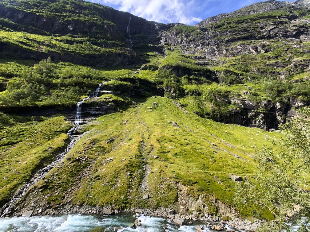 Hinking down from Myrgal to Flam