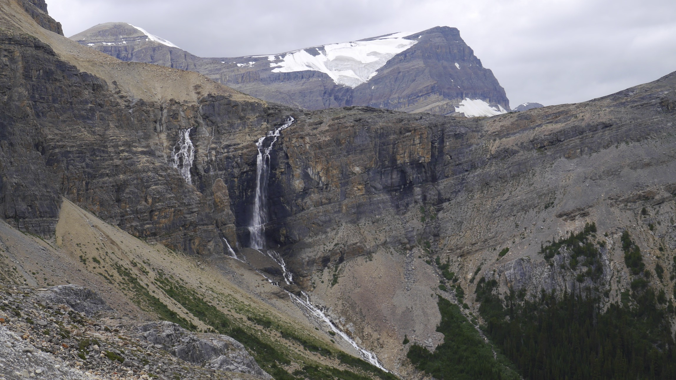 On the way to the Peyto Glacier