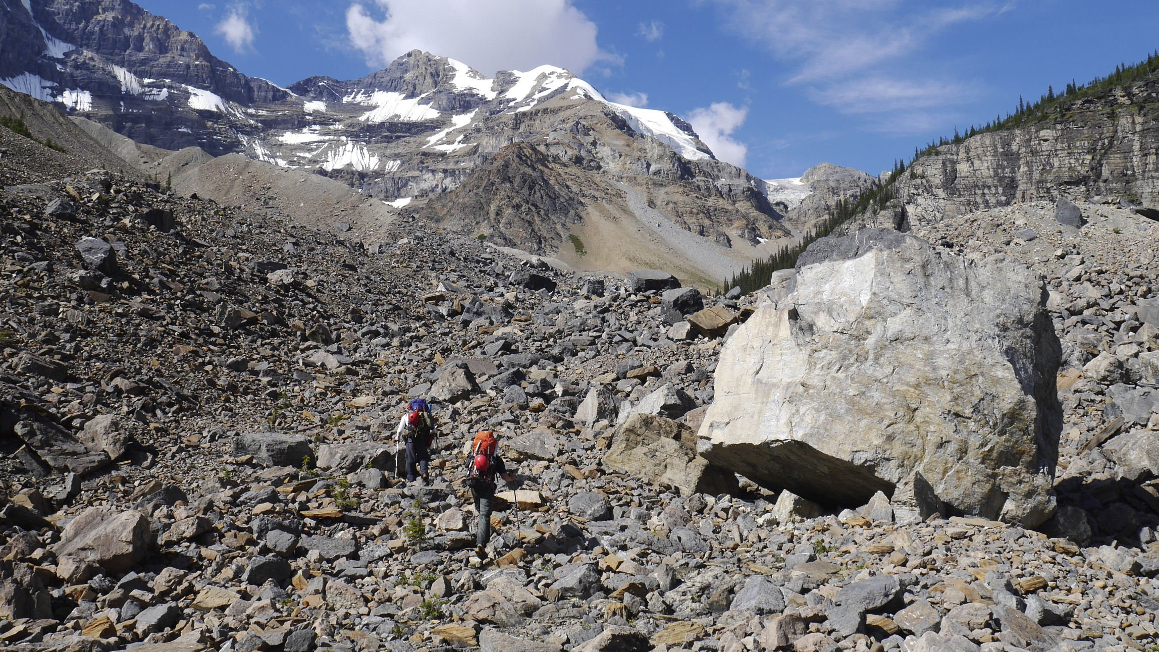 En route to Mt. Wooly and Mt. Diadem base camp