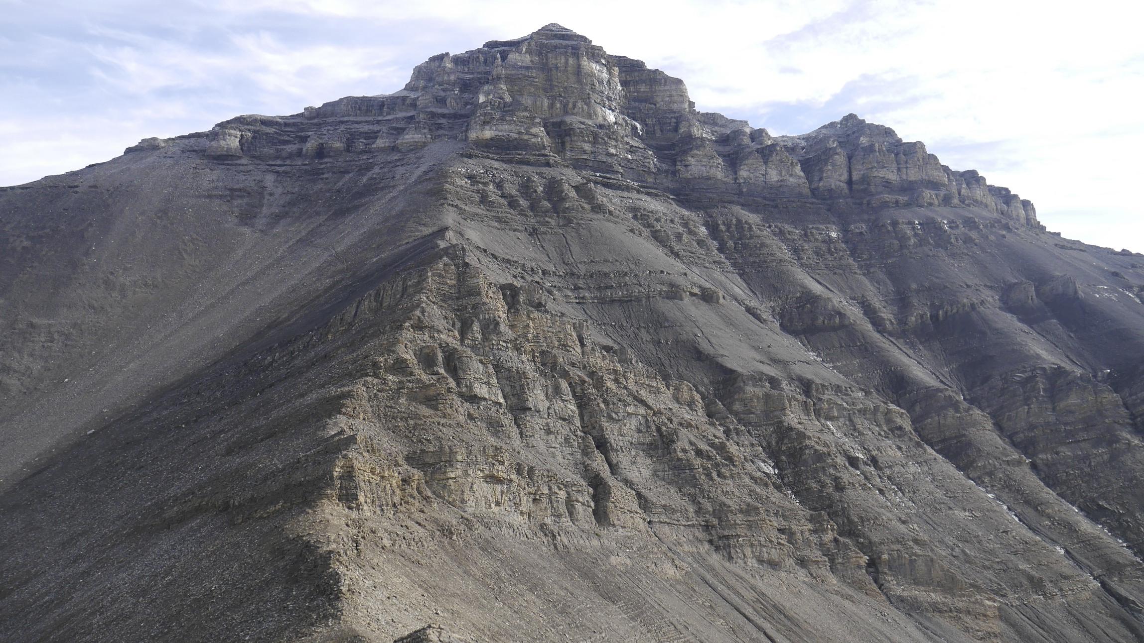 Nigel Peak 3,211m