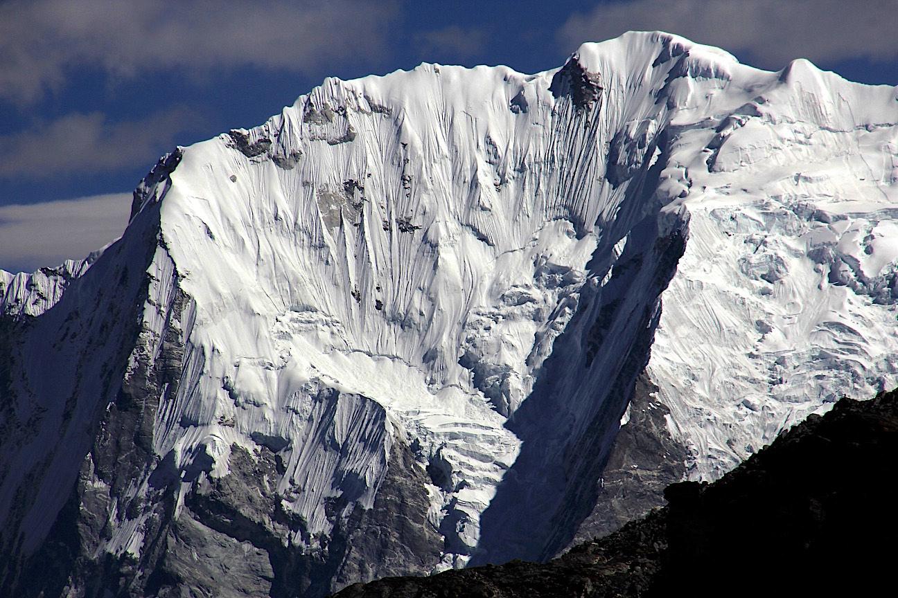 Pemthang Karpo Ri 6,865m.