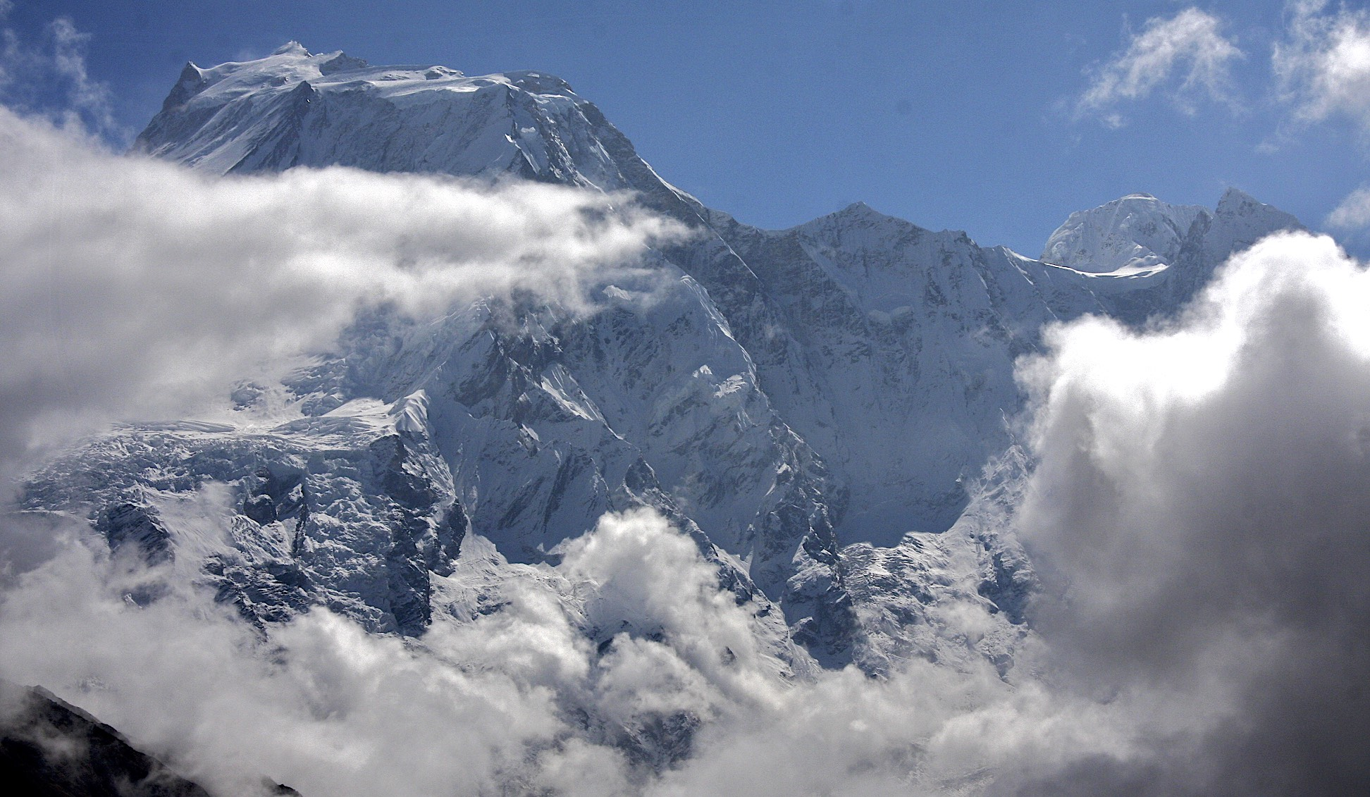 West face of Manaslu and Peak 29 on the right