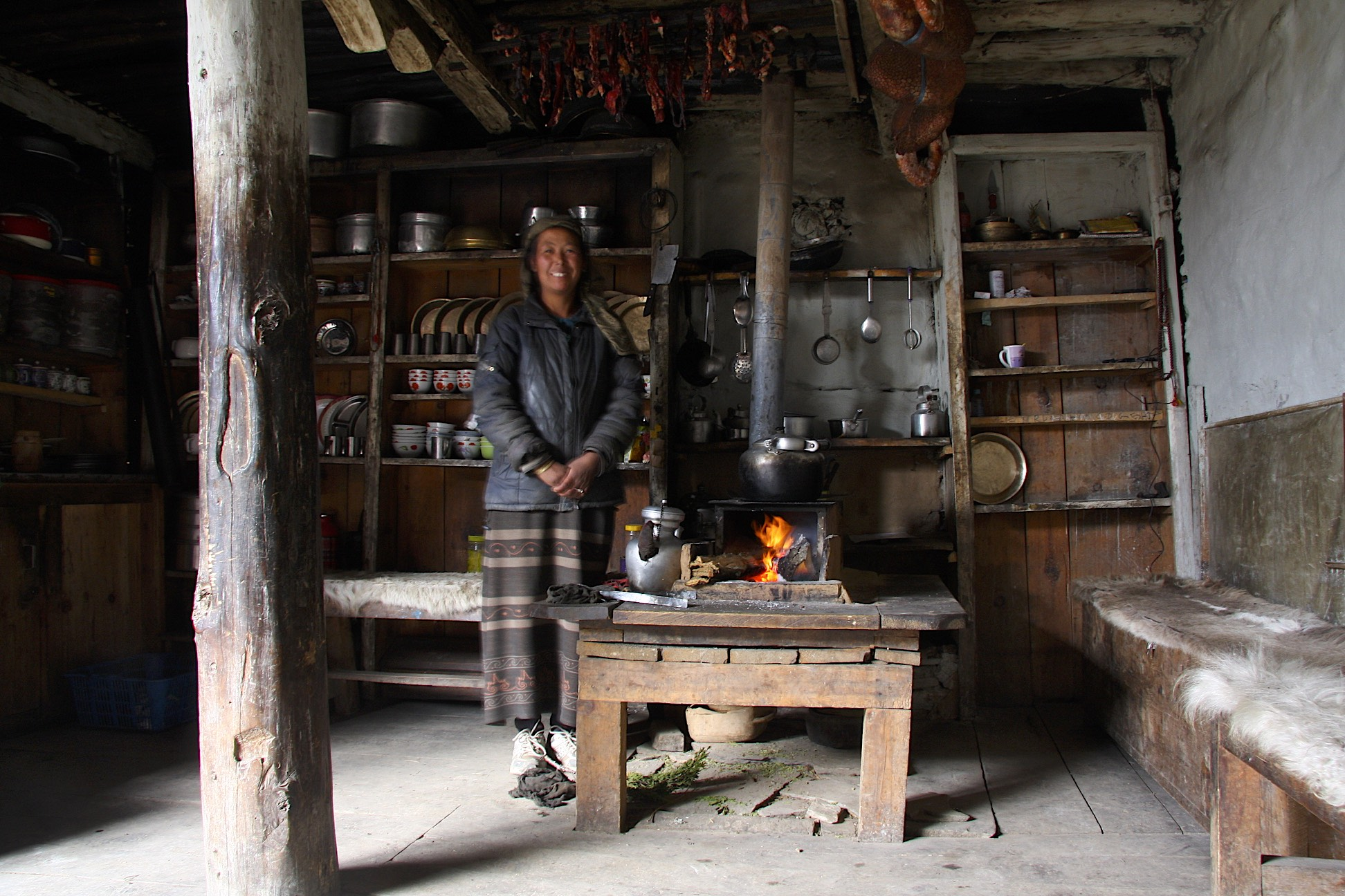 A friendly lady in the Upper Pisang Village