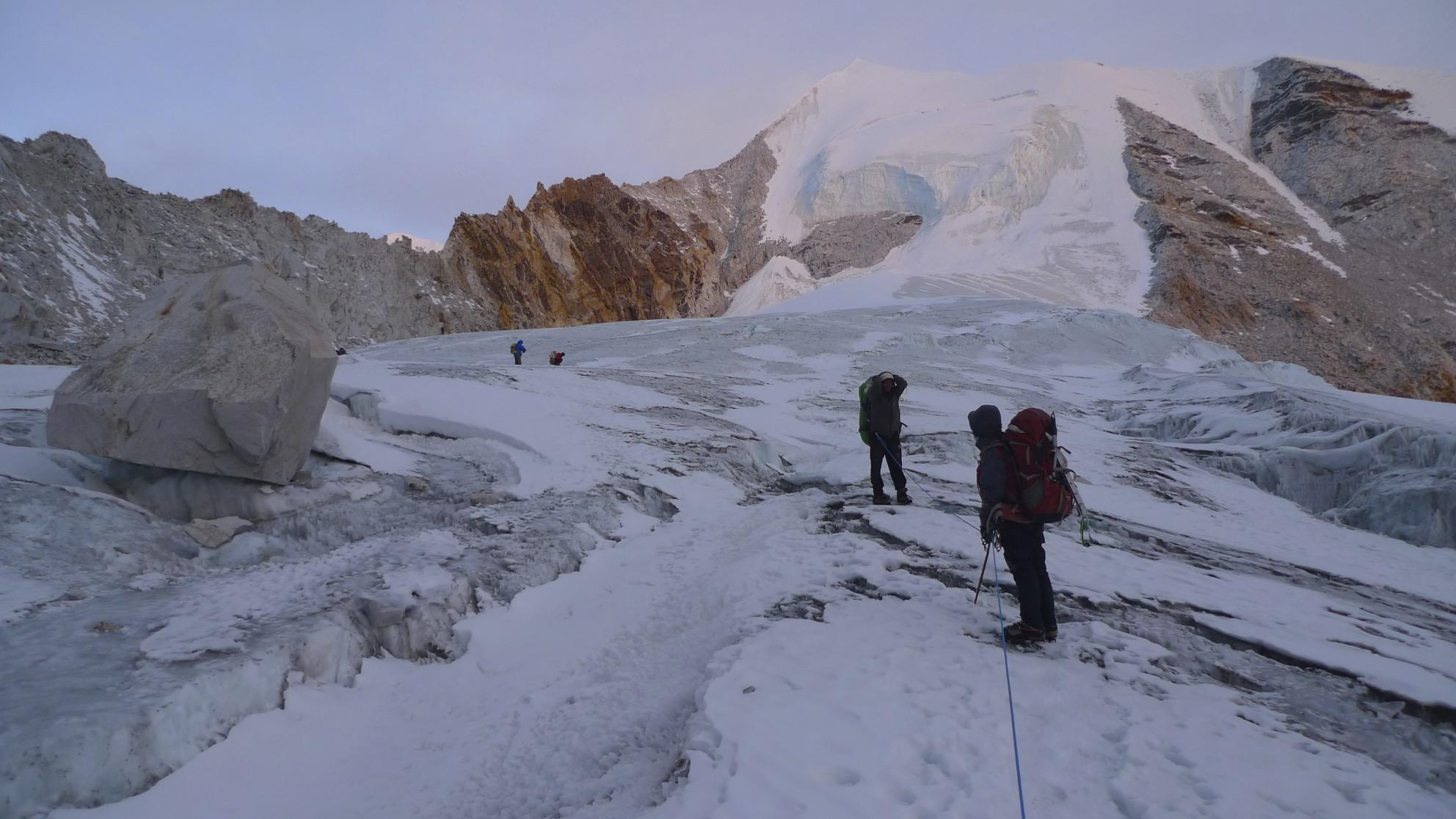 Sherpani Col ahead. At 6,000m