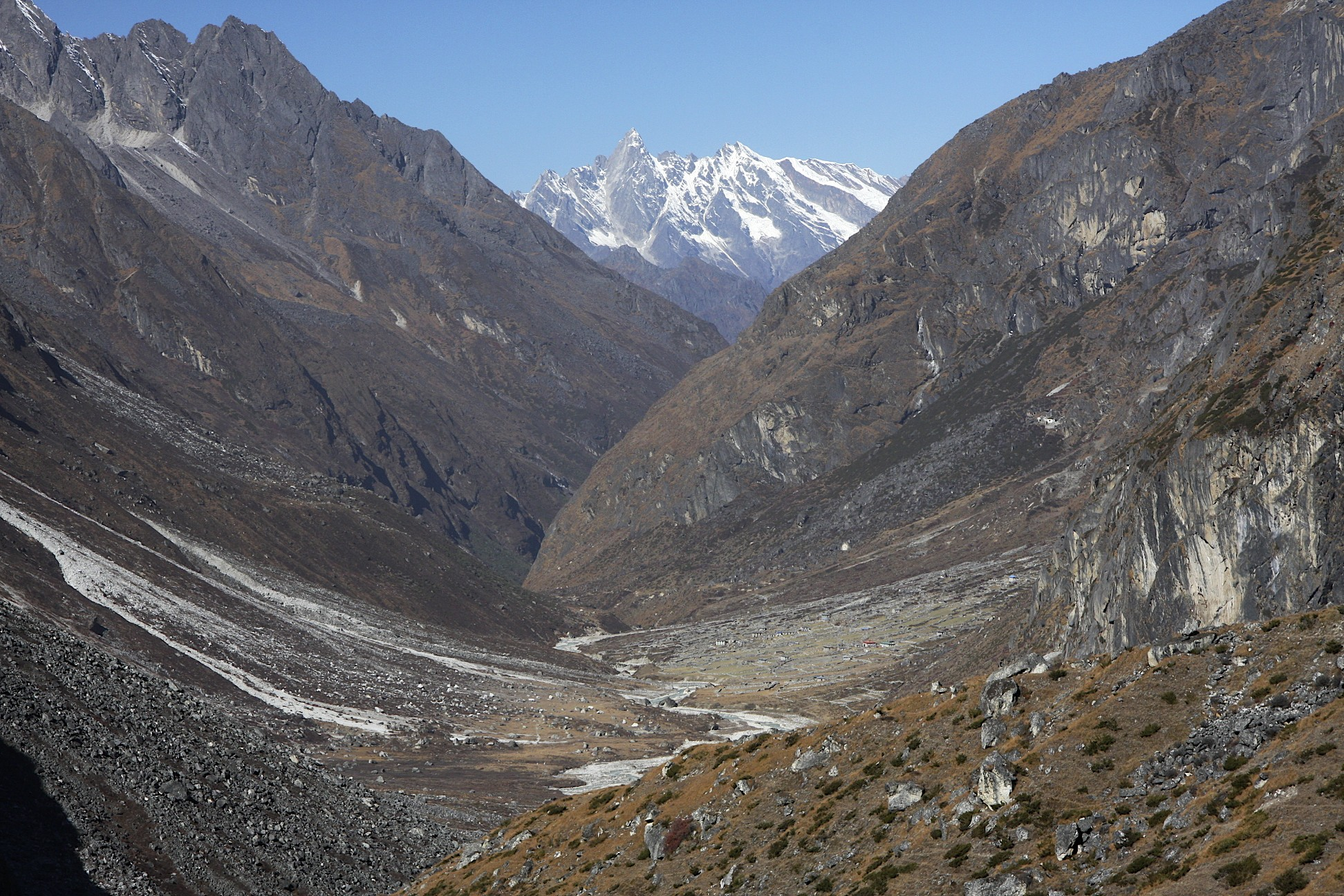 The Rowaling Valley and Jugal Himal on the horizon. The Jugal Himal separates Rowaling from the Langtang region and it is located in China. It is not possible to cross from Rowaling to Langtang via Jugal and the GHT requires a long detour south and then back north to the Langtang.