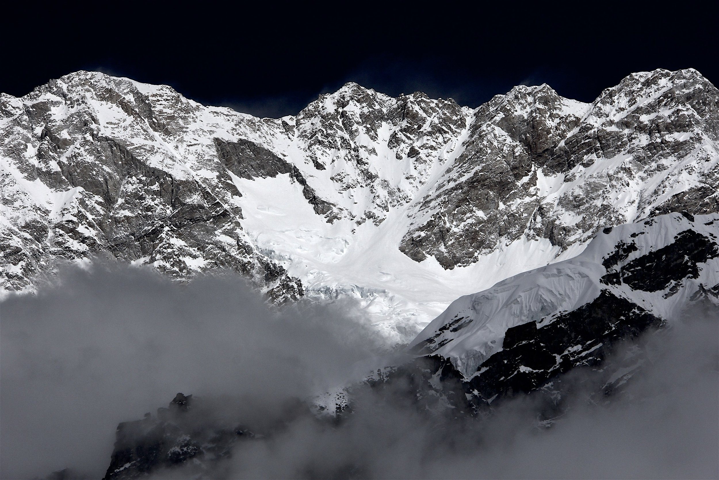 Kangchenjunga Main 8,586m, Central 8,482m and South 8,476m