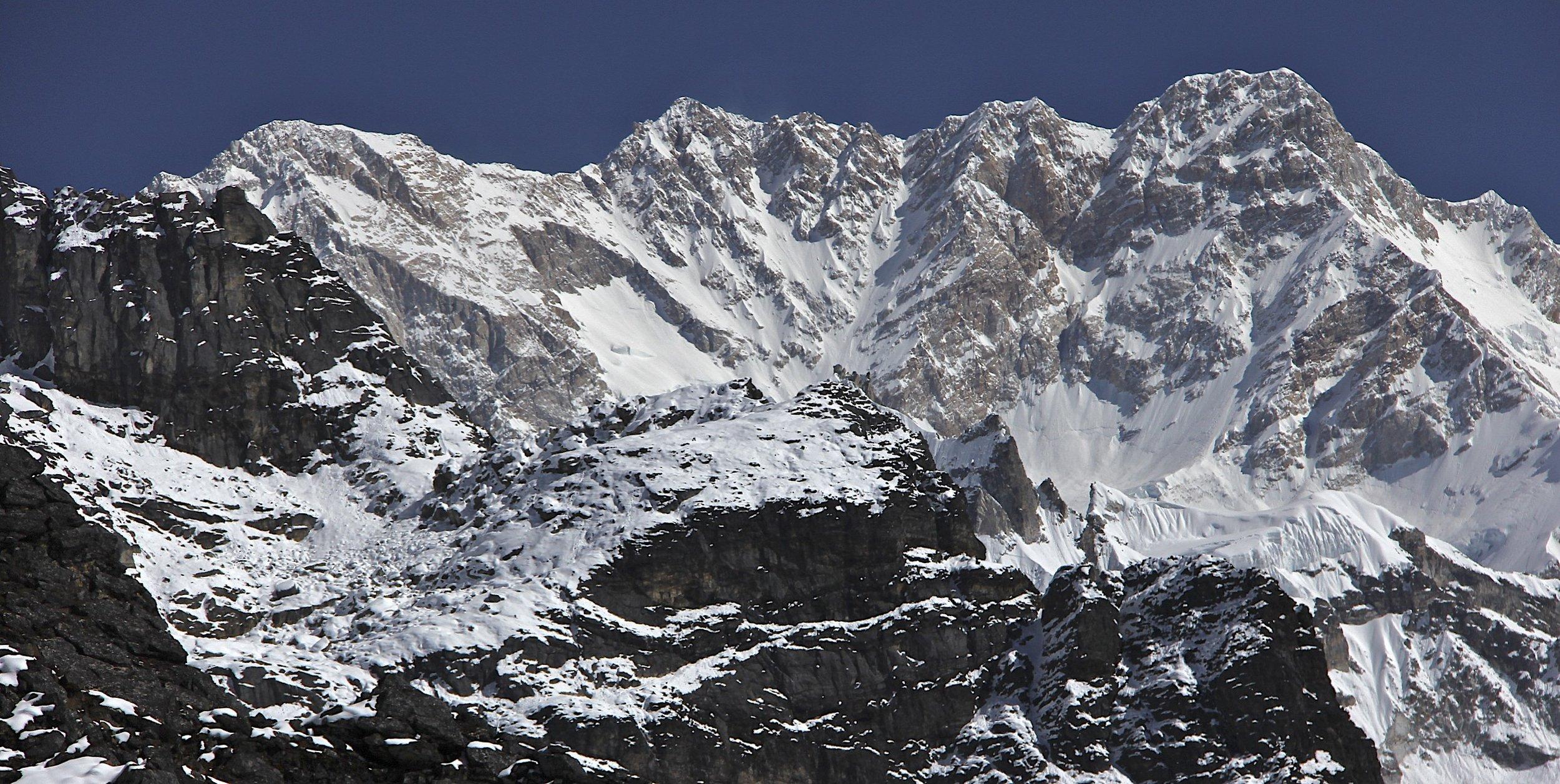 Kanbachen and 3 summits of the Kangchenjunga massif.