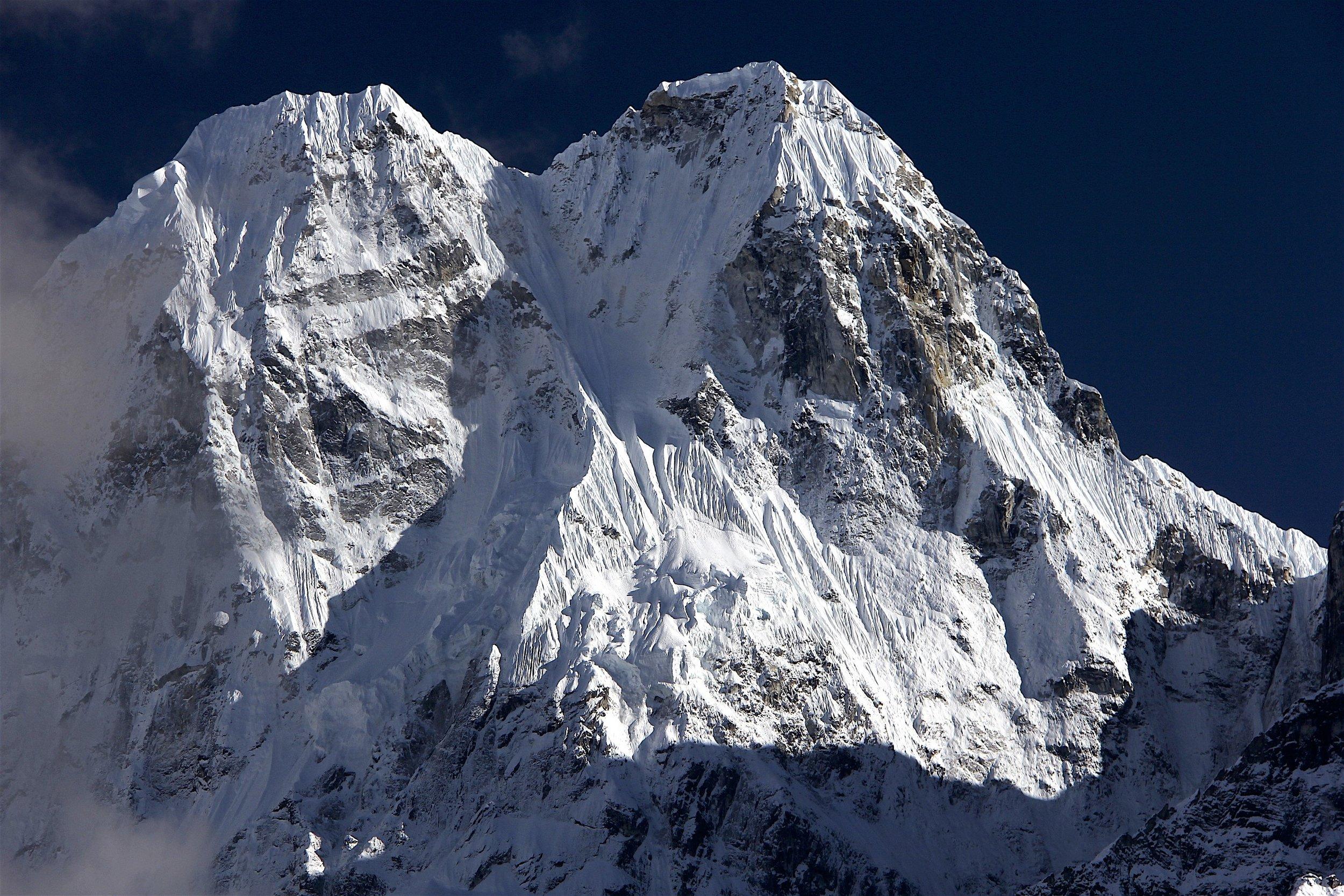 Sobi Thongje 6,670m and Pholesobi Thonje 6,645m in the Janu massif