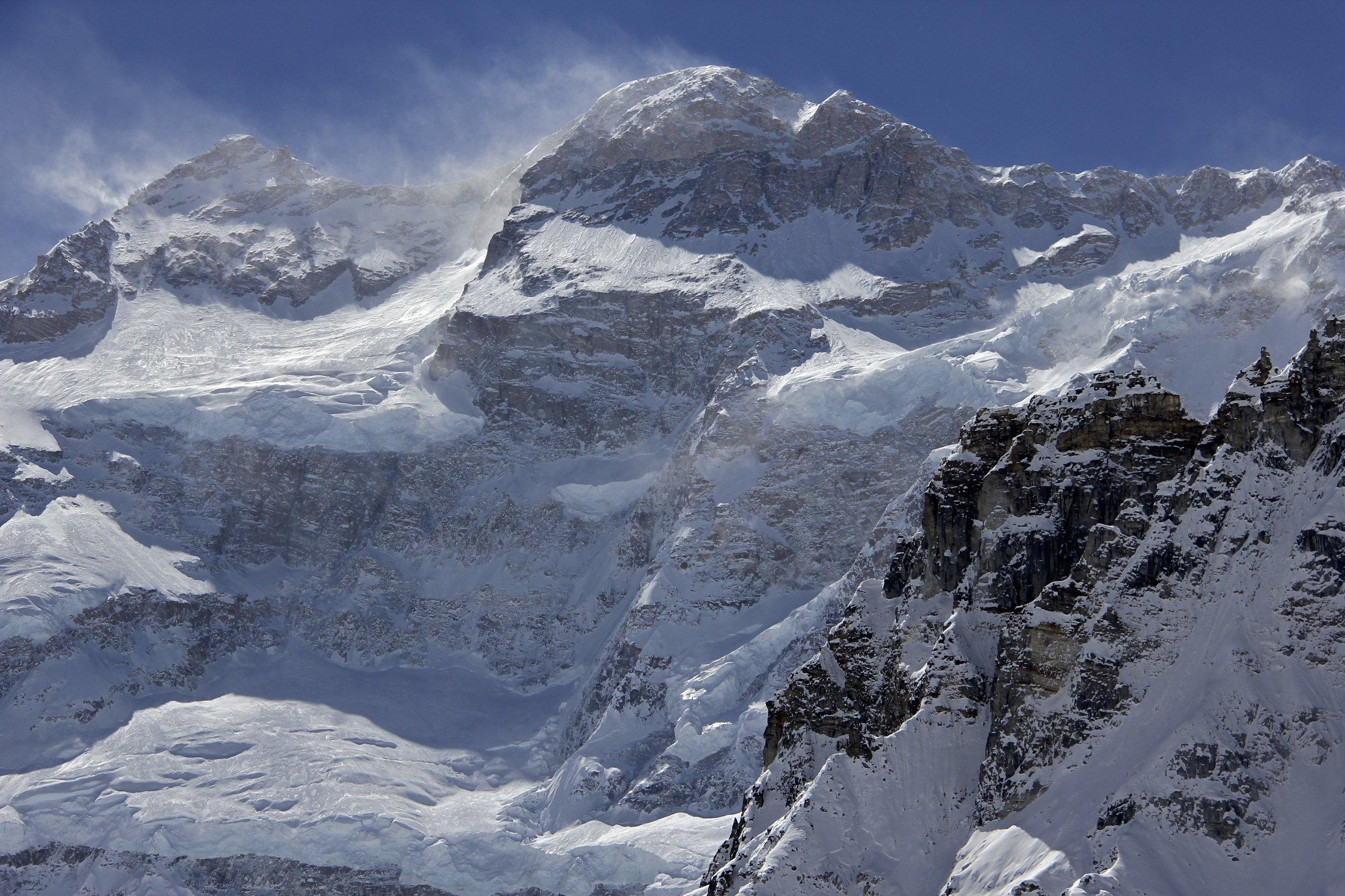 Kanchendzonga Main 8,586m and Kanchendzonga South 8,476m