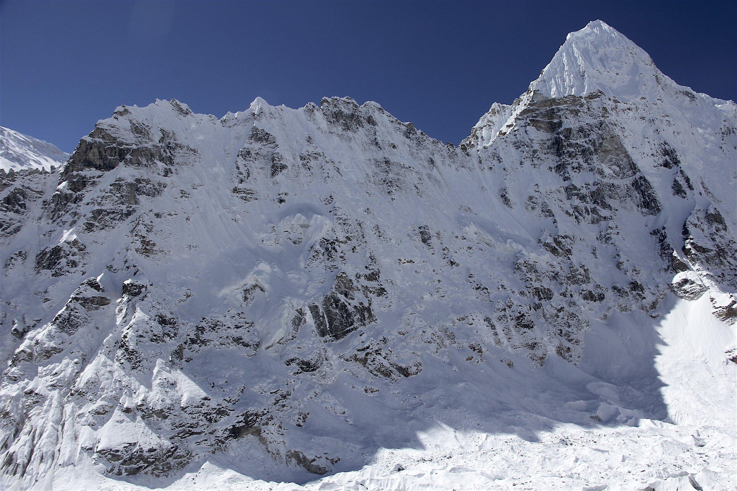 Wedge Peak 6,802m