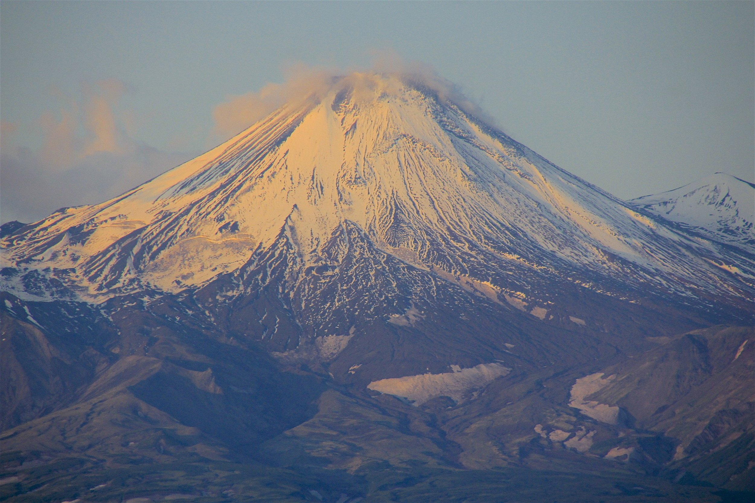 The Avachinsky Volcano 2,751m high is the closest volcano to PK and apparently quite easy to ascend.