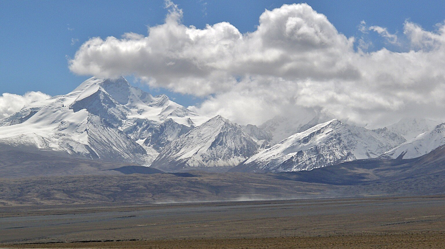 The Langtang Range from the Tibetan side.  The large mountain on the left is Lantang Ri.
