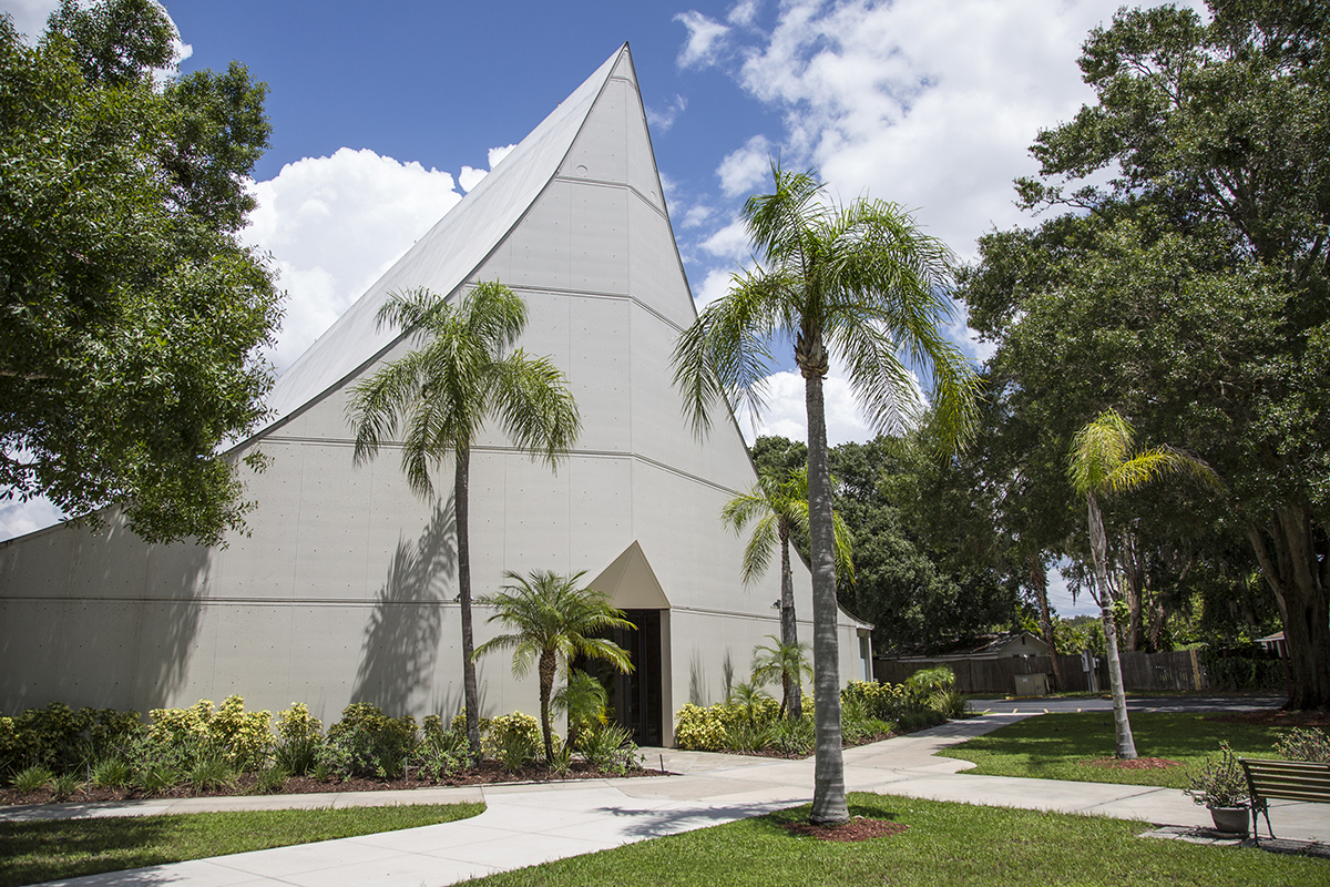 St. Paul's Lutheran Church by Victor Lundy