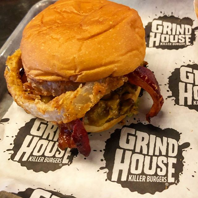 Shoutout to @grindhouseburgers for making an AMAZING burger! What's your favorite burger joint? I'll try to hit it up whenever I'm in town! 🔥🍔🔥 - #food #burger #grindhouse #grindhousekillerburgers #atlanta #georgia