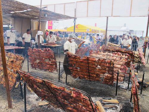 mistura-roasting-pigs.jpg