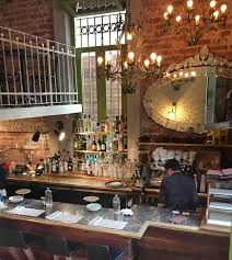 The bar at Cafe Nin