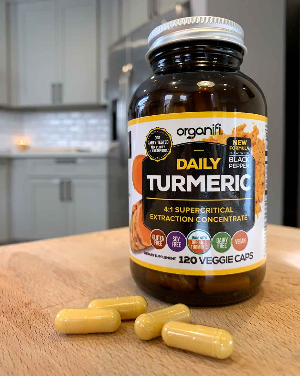 Daily Turmeric Pill Bottle with Pills