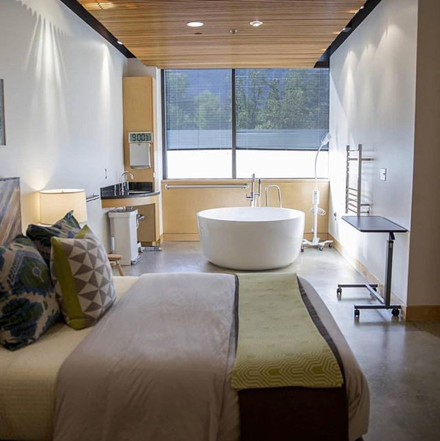 If you didn't already know, I do massage out of Wasatch Midwifery and Wellness in Holladay! The facility is gorgeous (this picture is of the main birthing suite!) and I couldn't be more proud to be part of such an extraordinary community built to empower pregnant women. Look out for my stories today as I talk more about what I do here! @wasatchmidwife