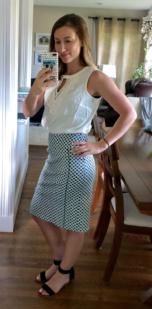 Margaret M Selma Piping Detail Skirt | Stitch Fix Review | Project Managing Mama