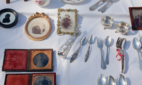 Two Grannies - Antiques & 2nd hand collectables5/58 Ocean St