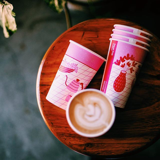 We are OBSESSED with our brand new 12oz art series. Make sure you follow the amazing artist behind the cup, Nora from @neighbourhoodpress 😍  #papercupproject #plasticfree 📸 @steph.pease . . . .  #perthcafe #perthcoffee #perthcharity #perthbest #perthtodo #perthdrink #perthart #perthcreatives #perthlife #perthblog #perthblogger #perthrestaurant #specialtycoffee #melbournecafes #melbournecoffee #melbournecafe #cafemelbourne #compostable #zerowaste #feelgoodaboutyourcup #ecobarista #melbourneroasters #perthroasters