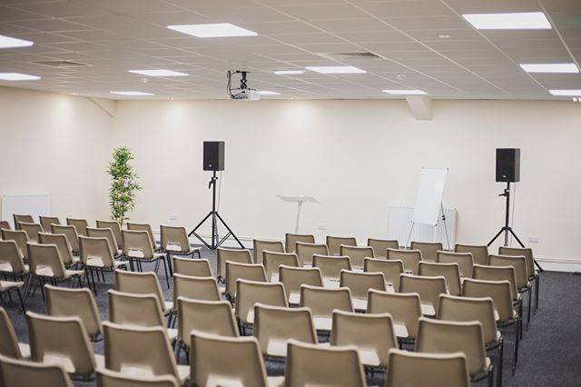 Our Cypress Suite is ideal for your training day, presentation or meeting! Contact us today for a same day quotation and competitive prices #conference#doncasterisgreat#roomhire#southyorkshire#doncaster