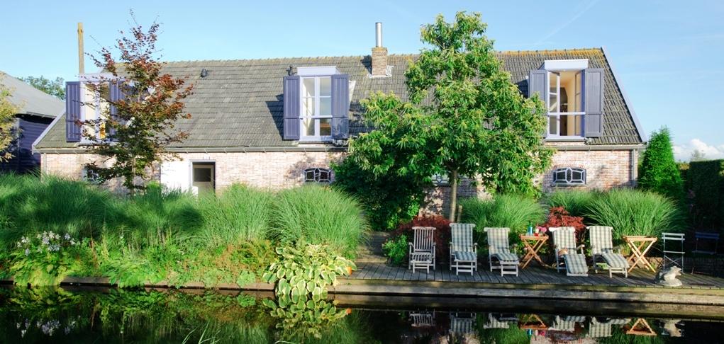 Bed-and-Breakfast-Buitenplaats-De-Blauwe-Meije_1021x486.jpg