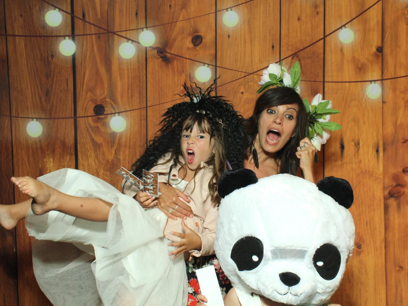 QTBooth_Queenstown_Photobooth_Wedding_6.jpg