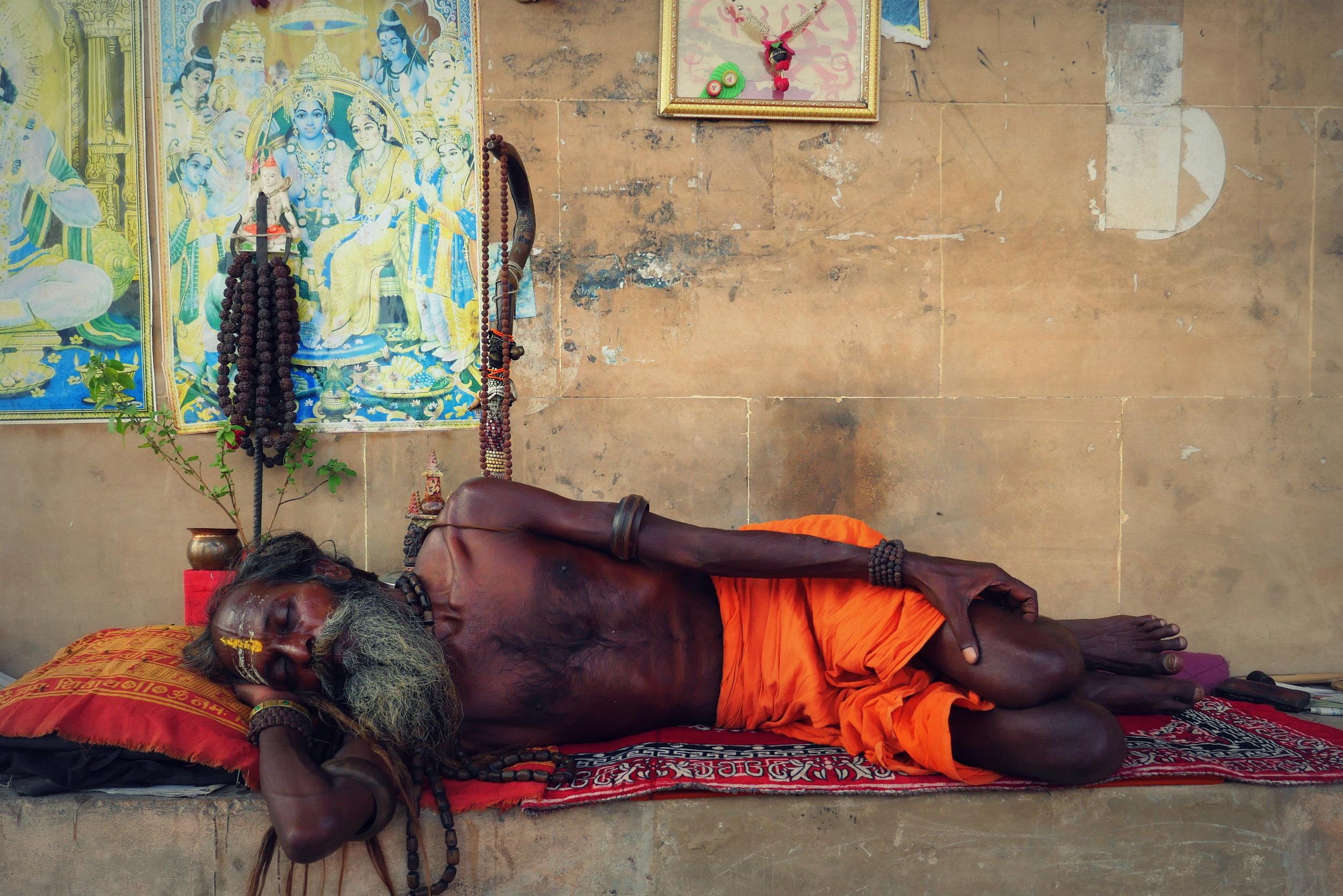 33. India, Varanasi,.jpg