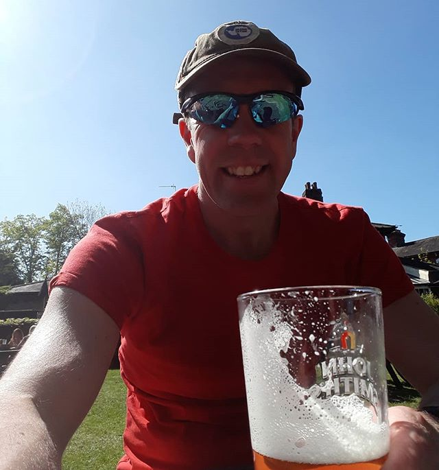 After a 9mile run in the sun yesterday 3-2-1 mile efforts with easy mile recoveries in between and then after bootcamp I did 12x1min hill efforts this morning (way tougher than if sounds). I rehydrated with isotonic tablets and refueled with good sensible food. However it's only now with a pint in my hand that I feel truly refreshed. Bring on 16 miles in the morning.... #jigsawmakesallshapesfit #beergarden #howdidyouearnyourbeer #jigsawrunningcoaching #jigsawpersonaltraining #running #runningcoach #hillreps #postrunrecocery #runlondon #asicsfrontrunner #runnersofinstagram #beergarden #veteran #capselfie #howsthepalealestifler