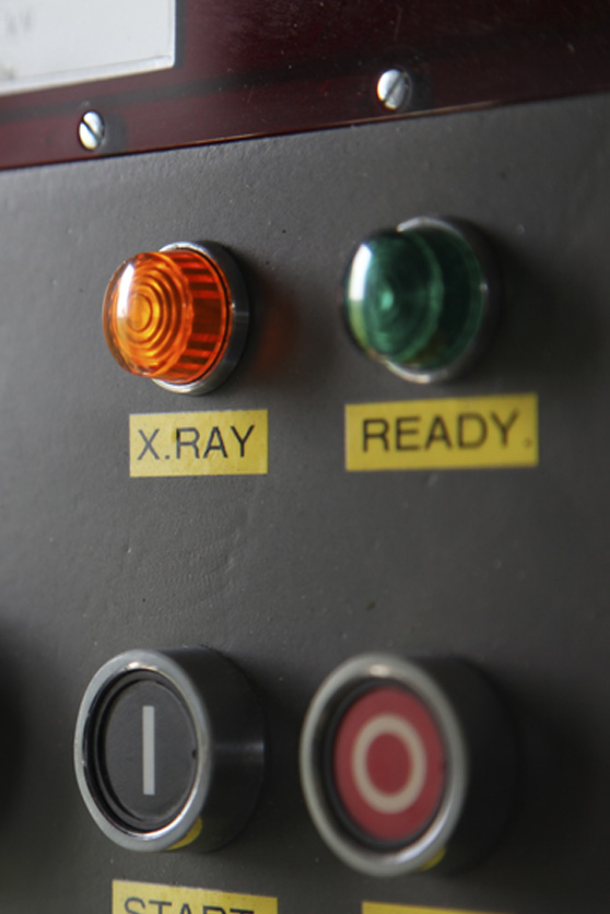 X-ray warning light