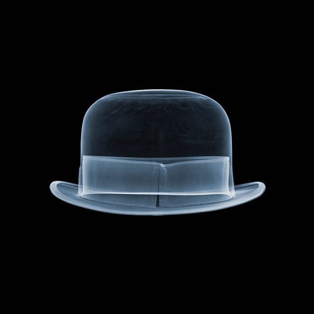 City Bowler. X-ray artwork. Sartorial style. DM me for details. Thx go out to A Clockwork Orange, the city of London and Rene Magritte. Price will only go up after Brexit (just like everything else will go up)  #nickveaseyxray #xrayart  #insideout  @renemagritte_art  @stanleykubrick  @clockworkorangefans