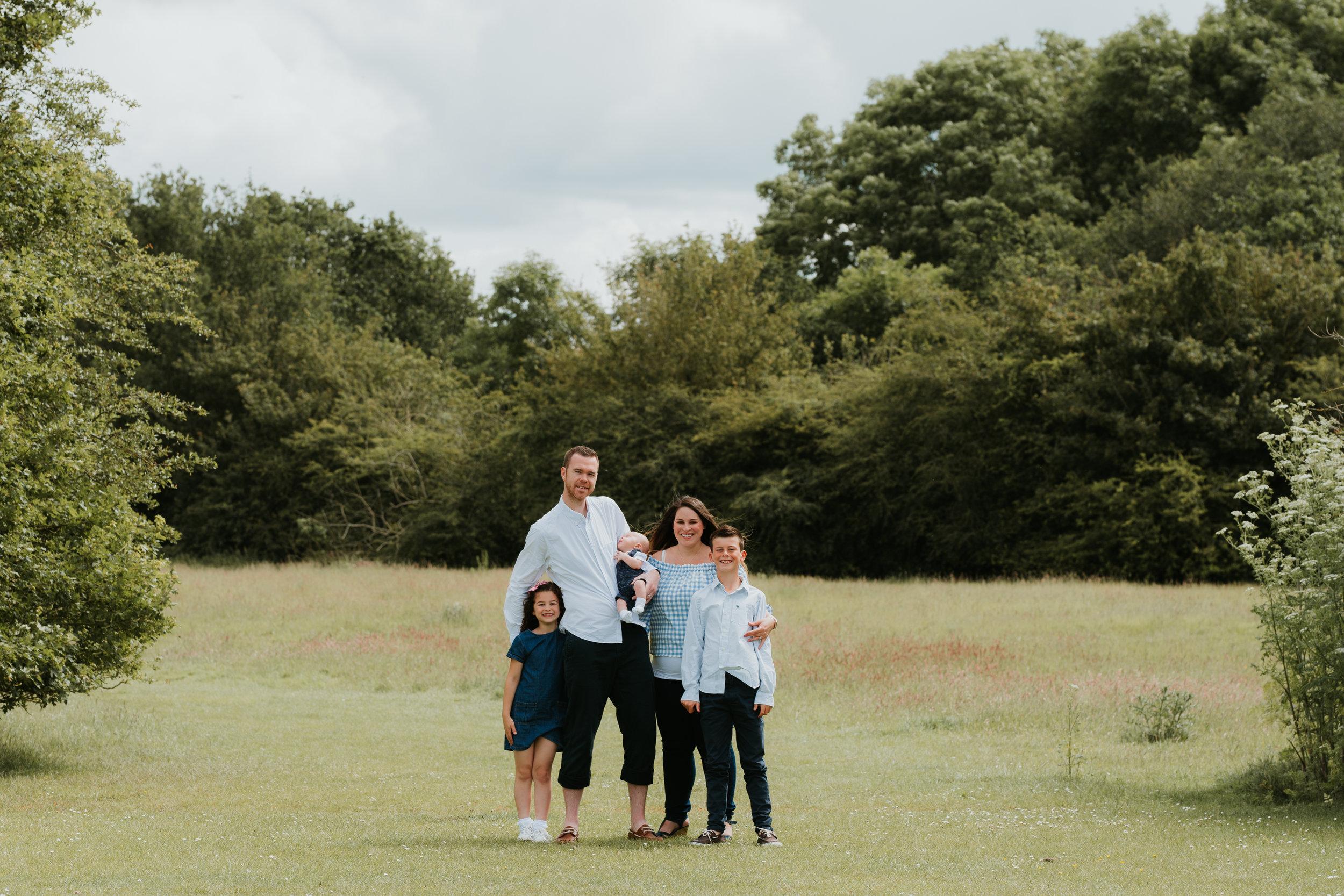 outdoor family photos Wokingham