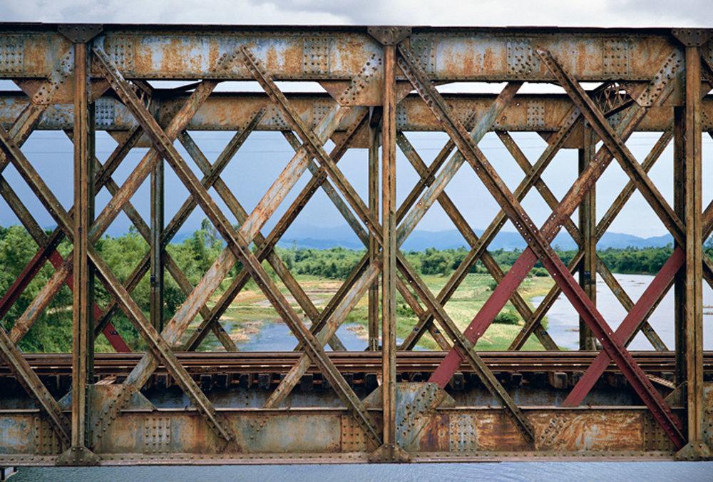 Ponte della ferrovia, Quang Tri Vietnam 1995.jpg