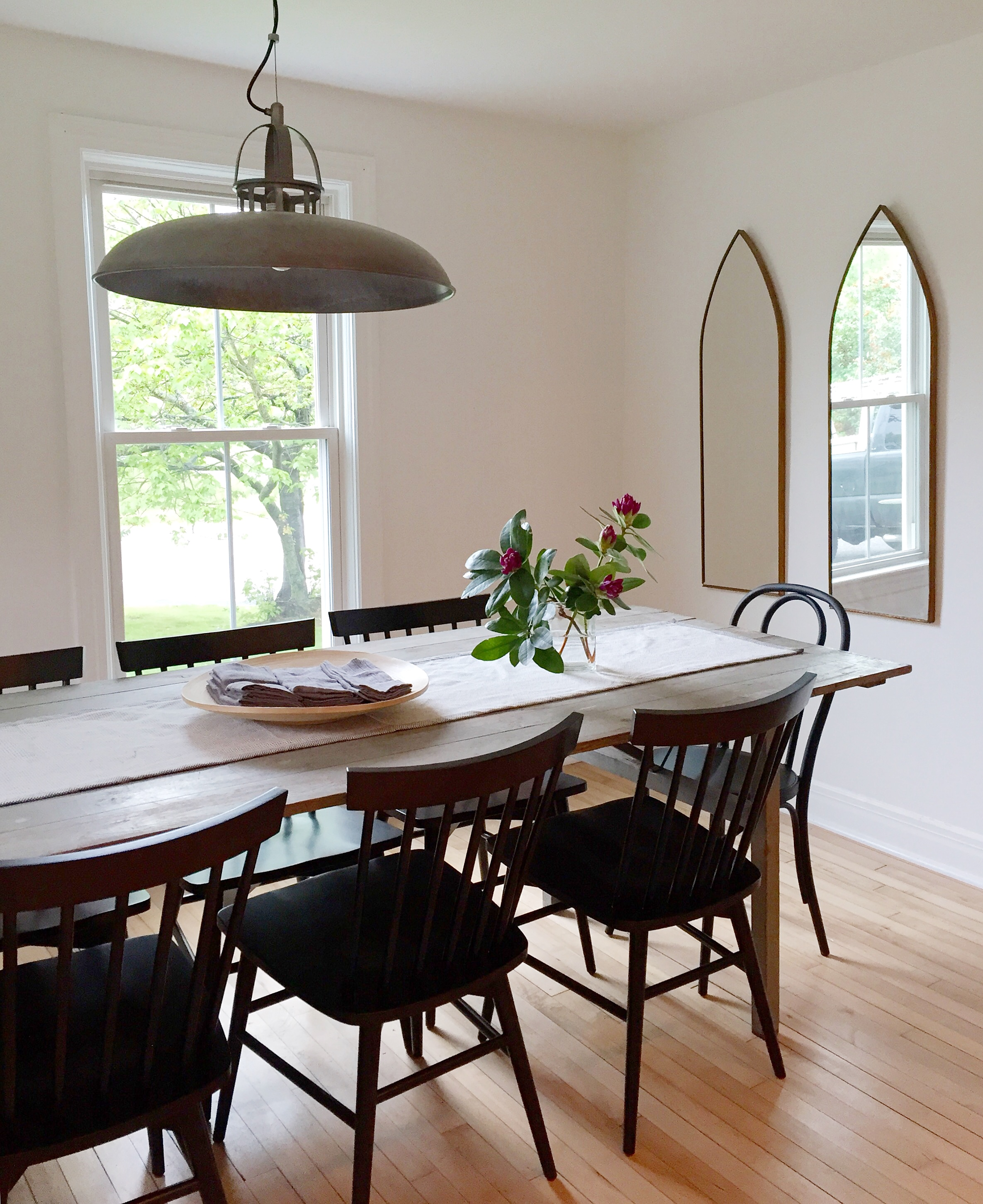 Alison Kist Interiors Farmhouse Dining Room.jpg