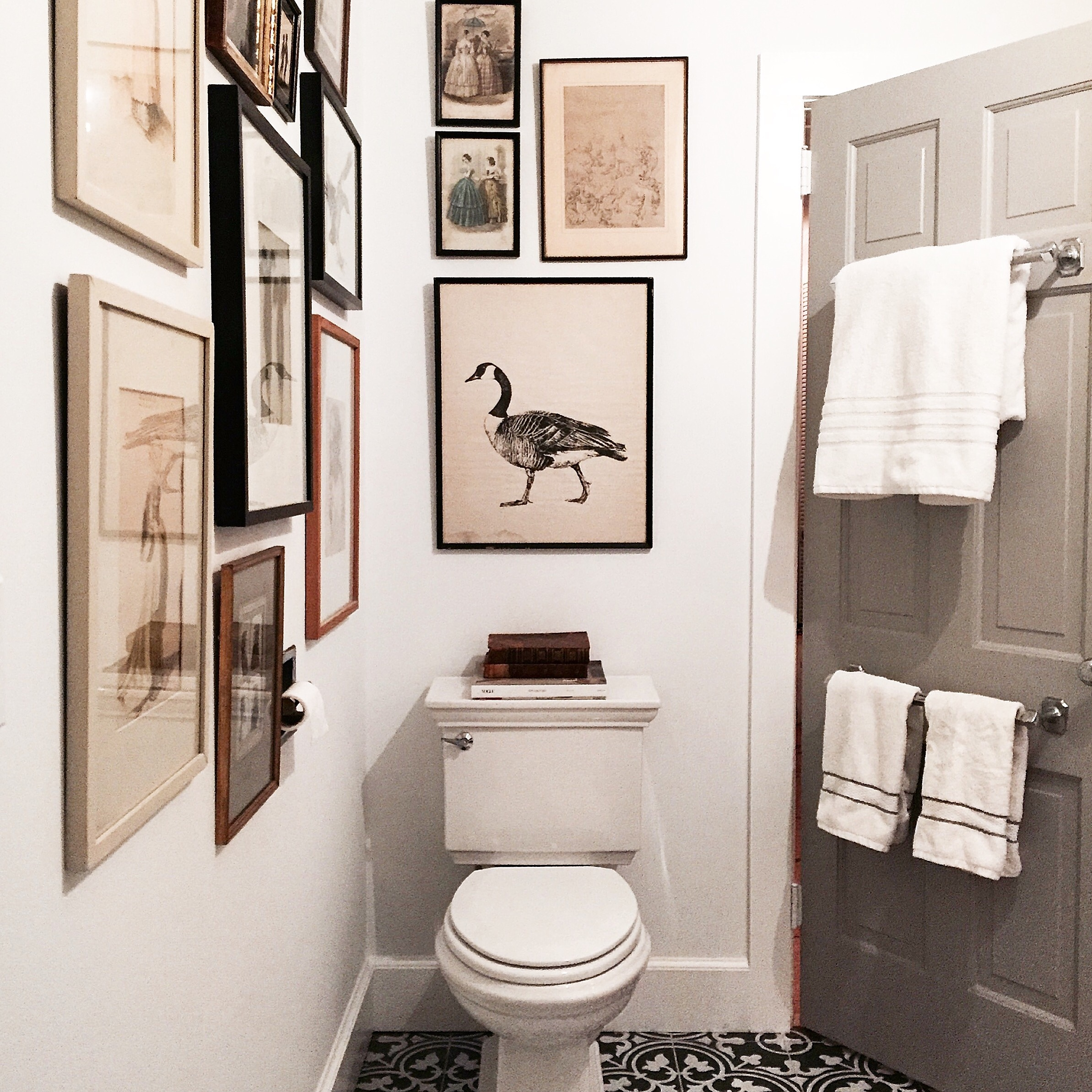 Alison Kist Interiors Bathroom Gallery Wall.jpg