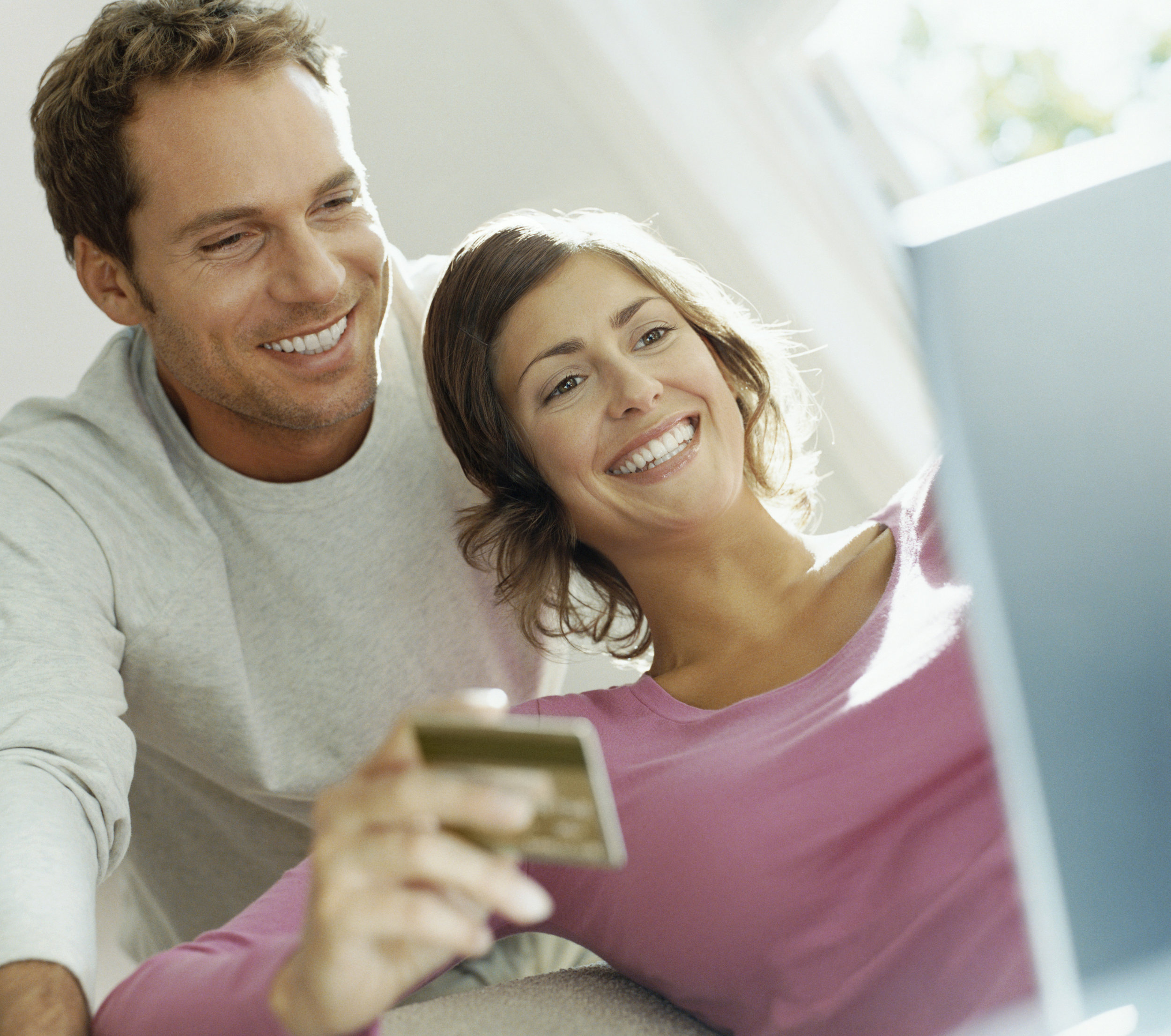 couple shopping online large.jpg