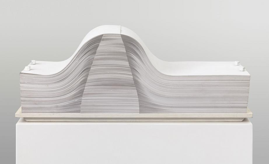 Enrico Castellani, Spartito, 1969/2004, Sheets of paper and wood