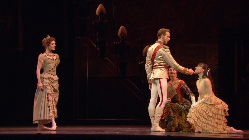 Mayerling-00_14_04-00015.png