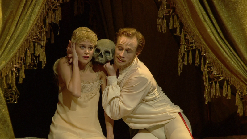 Mayerling-00_36_46-00029.png
