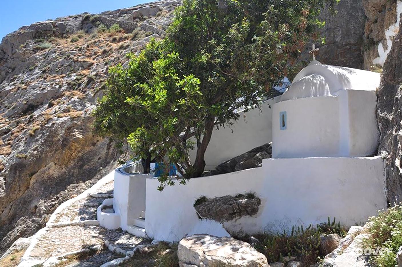 L4-7 Santorini Water walks-2 Zoodohou Pigi.jpg