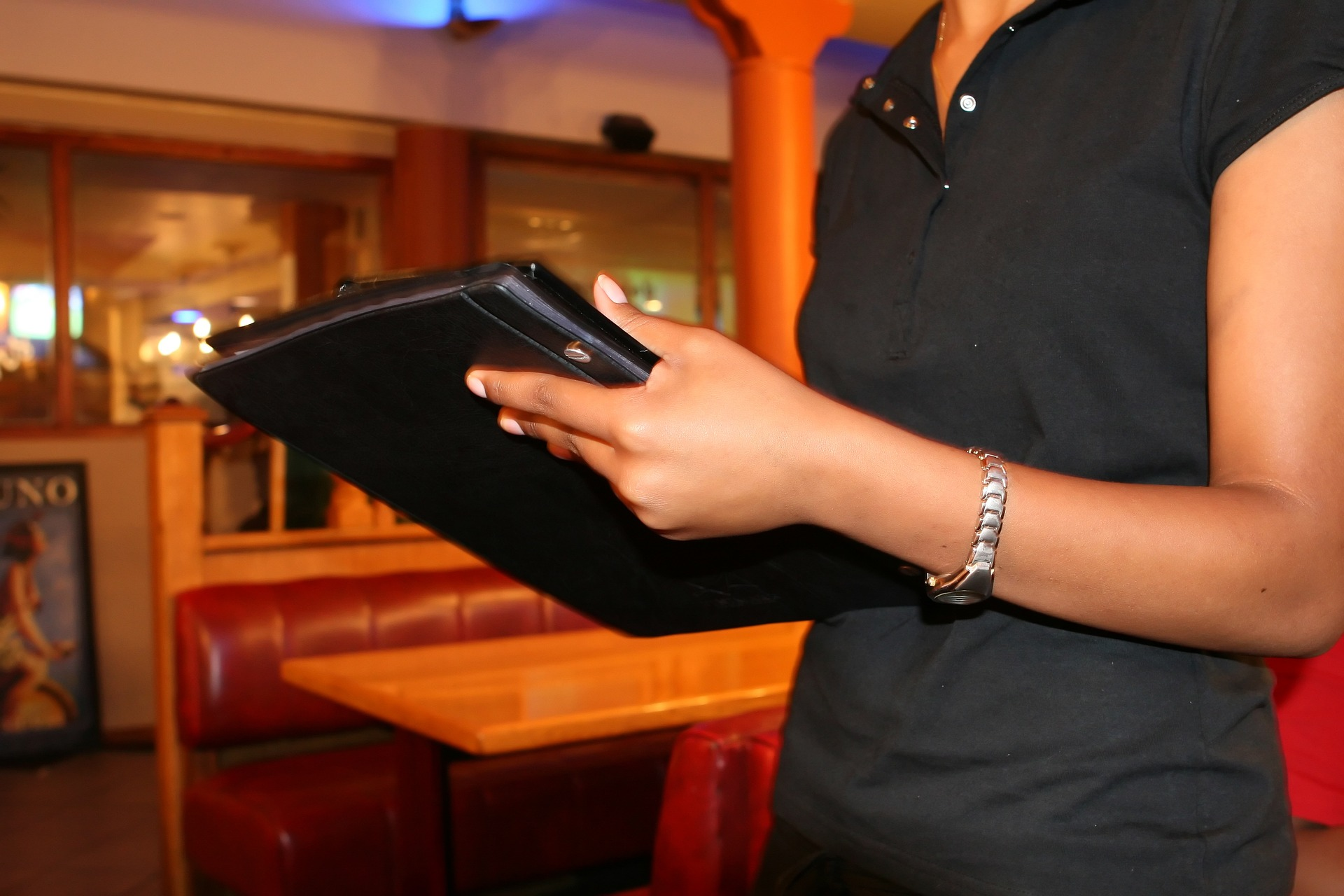 RESTAURANT WORKERS PUSH BACK
