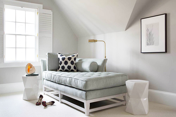 gray-daybed-guest-bedroom-e1445888367349.jpeg