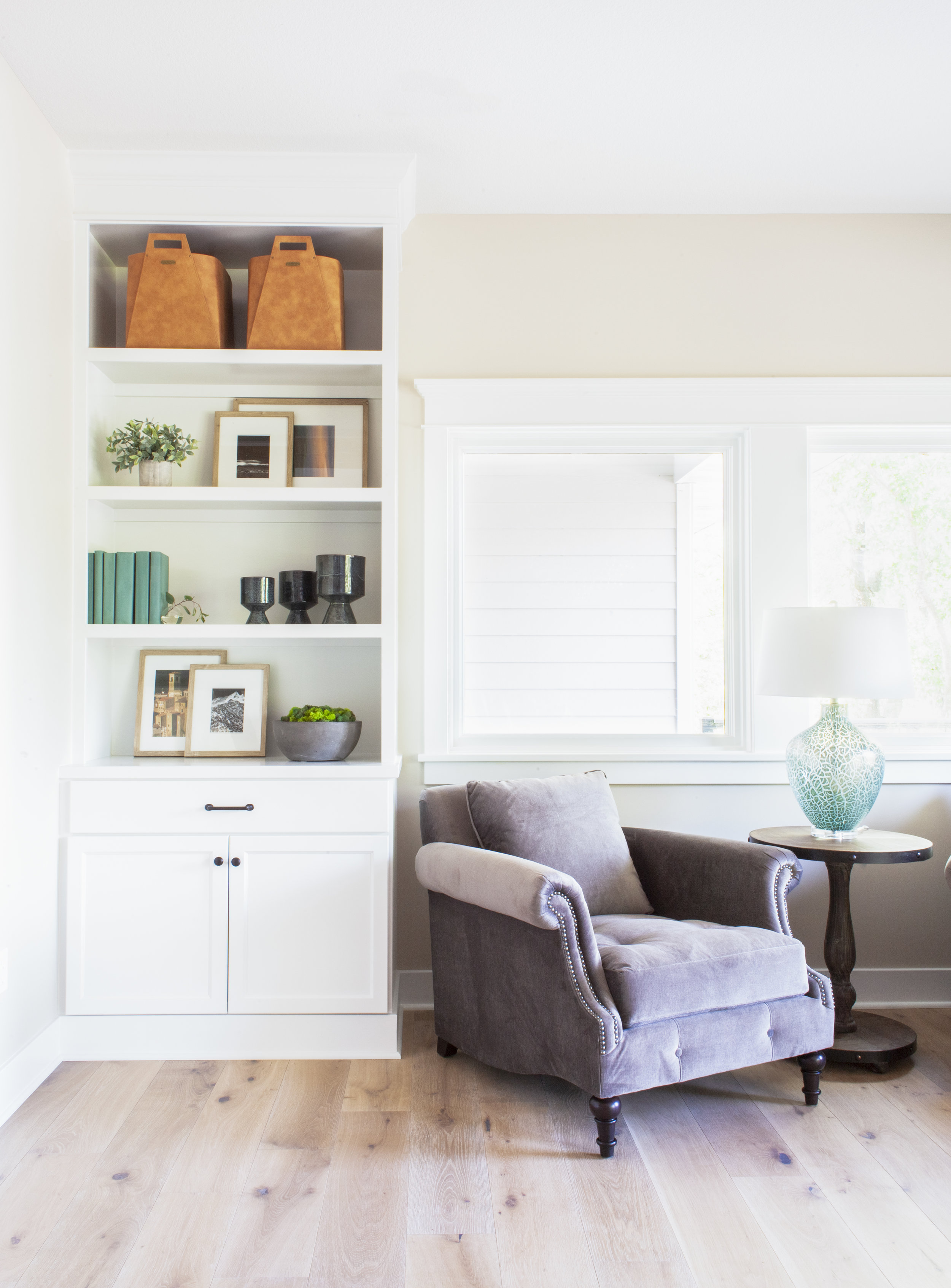 before-and-after-home-reveal-scout-and-nimble-lake-view-luxe-country-interior-design-built-in-shelves-shelf-styling.jpg