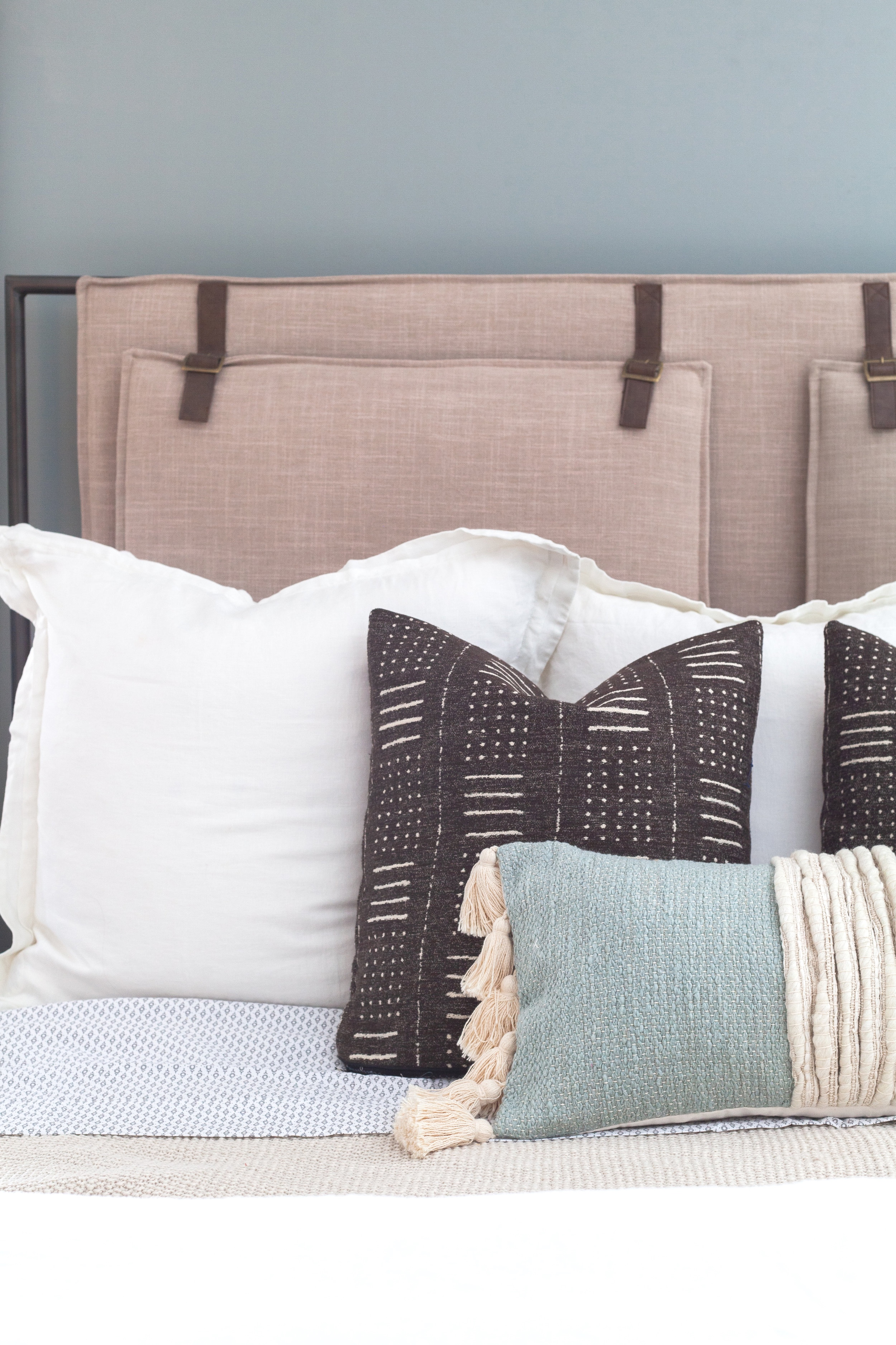 Lumbar Fever Why All Of Your Favorite Designers Are Using These Gorgeous Throws Scout Nimble