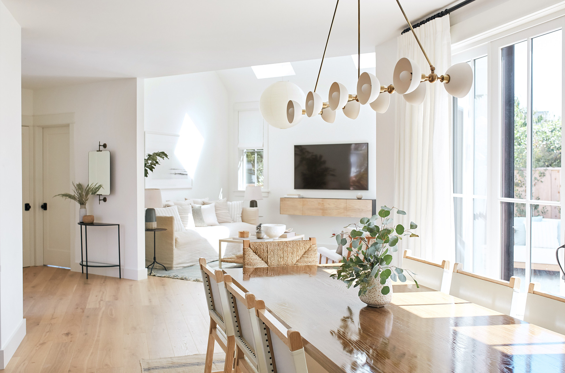 Design by  JDP Interiors , Photography by  Margaret Austin