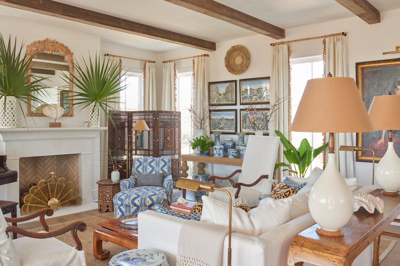scout_and_nimble_island_charmer_livingroom2.jpg